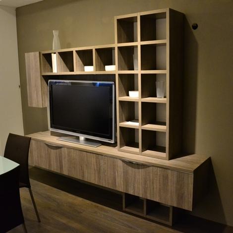 Parete soggiorno firenze conforama idea creativa della for Interior design della casa di 750 m