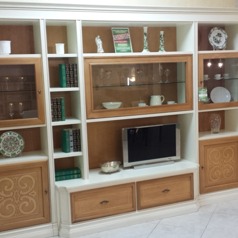 Stilema parete attrezzata margot legno massello sottocosto soggiorni a prezzi scontati - Parete attrezzata classica prezzi ...