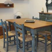 Tinello completo di tavolo e 4 sedie scontato del -50%