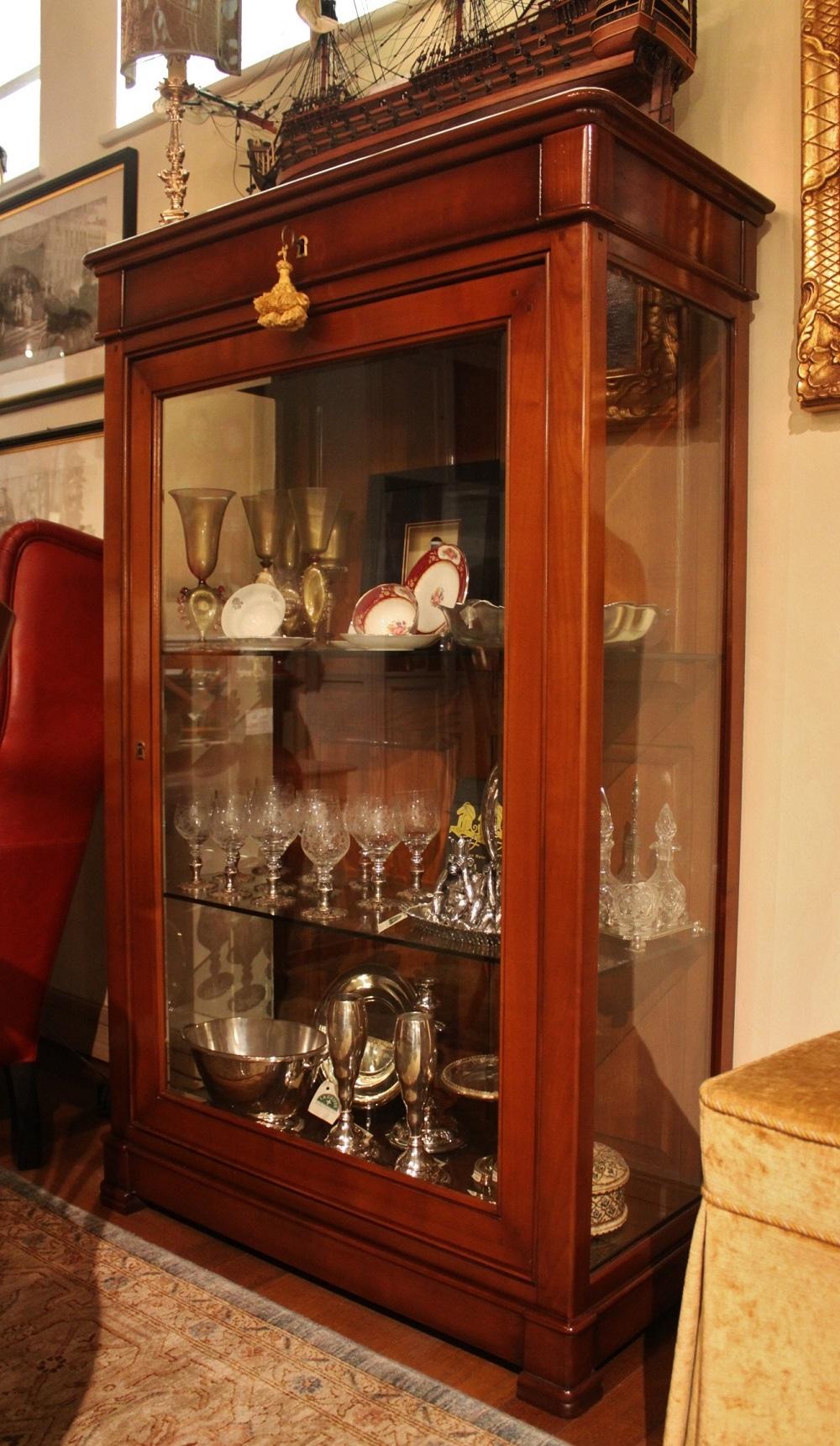 La griffe vetrina con cassetto in ciliegio e fianchi a for Vetrina in vetro