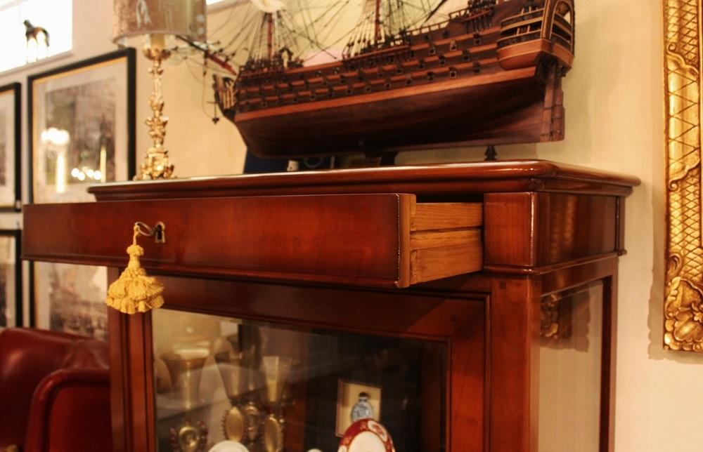La griffe vetrina con cassetto in ciliegio e fianchi a - Progetti mobili in legno pdf ...