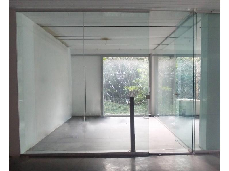 Vetrinetta in stile moderno Artigianale in vetro Offerta Outlet