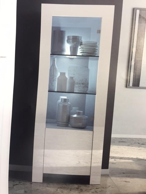 vetrinetta moderna scontata del 30 soggiorni a prezzi