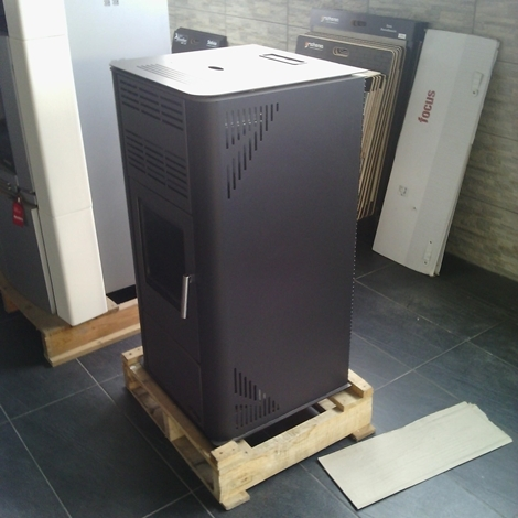Offerta stufa a pellet Palazzetti Royal Klima 9,8 kW - Stufe a ...