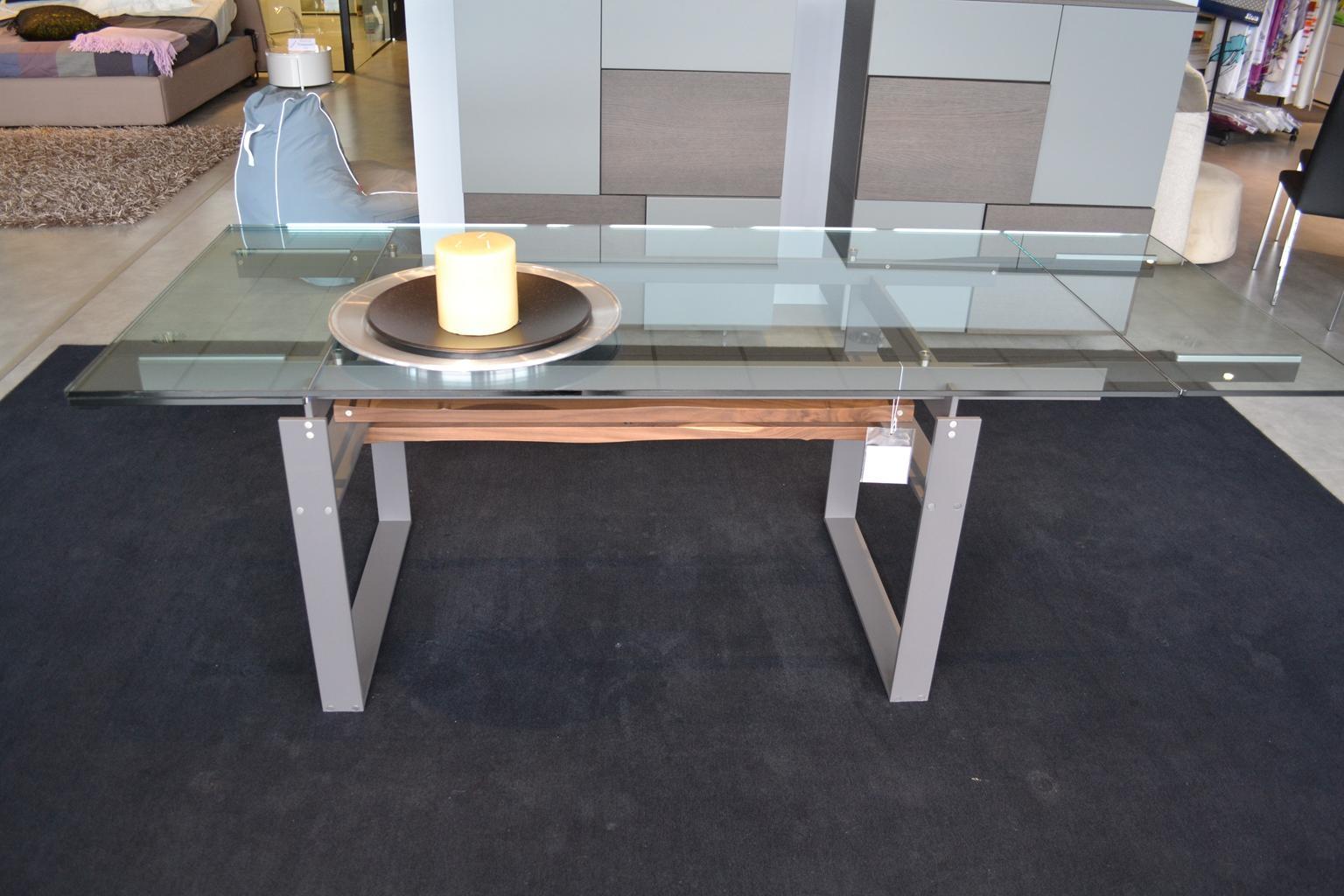 Divani Rotondi Moderni: Tavolo marca in legno impiallacciato colore tortora s...