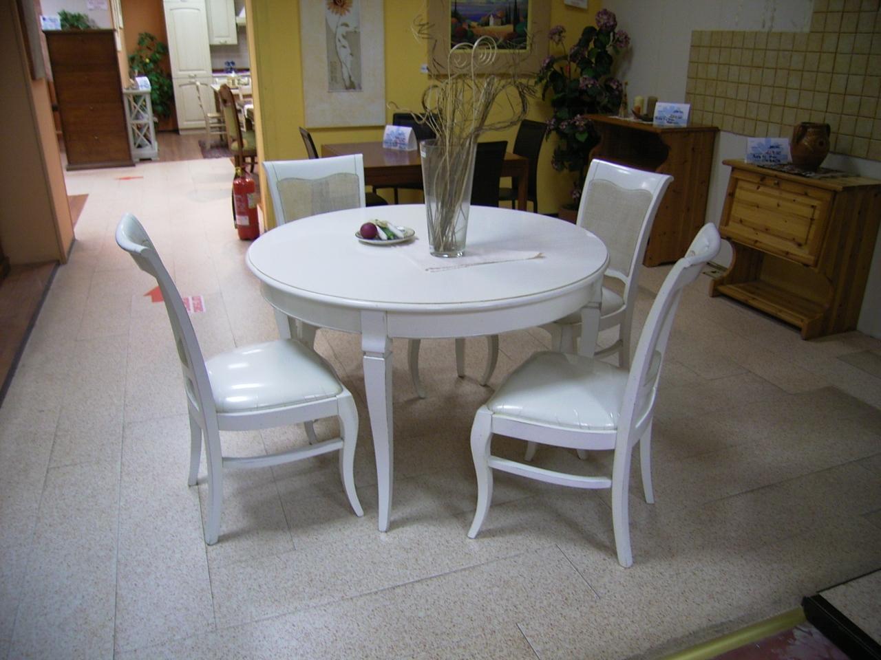 Affare tavolo e 4 sedie tavoli a prezzi scontati for Poltroncine sala da pranzo