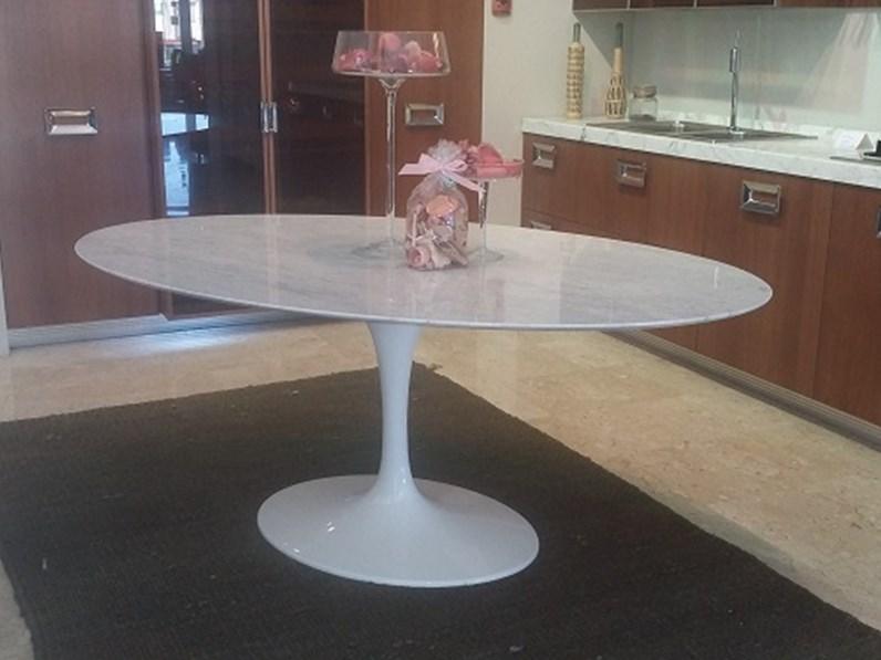 Tavolo Saarinen Marmo : Tavolo saarinen marmo prezzo tavoli in marmo prezzi latest tavolo