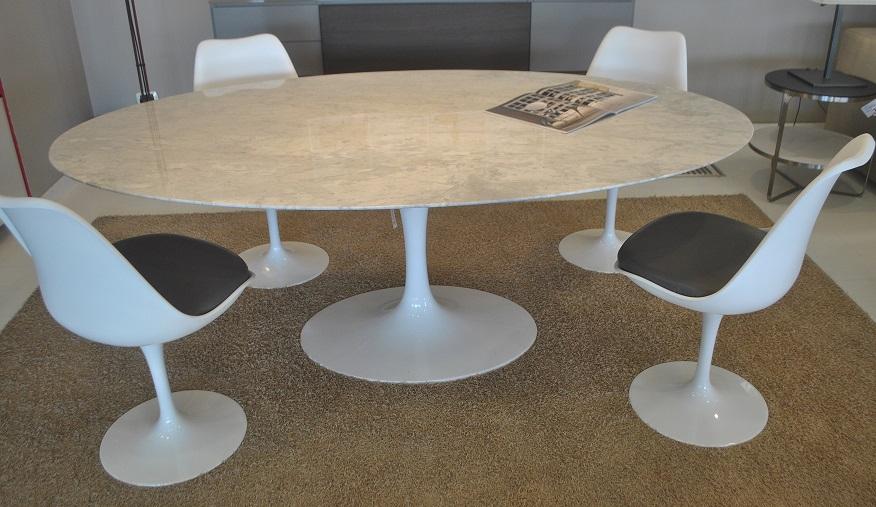tavolo ovale alivar e saarinen marmo bianco michelangelo