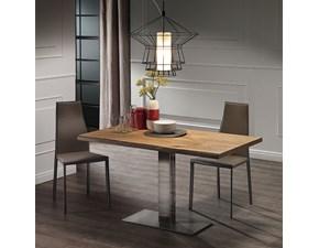 Tavolo Elvis di Cattelan con base in acciaio e piano in legno rovere naturale