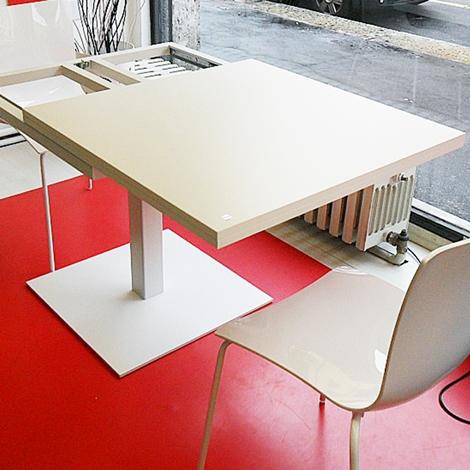 Tavolo quadrato allungabile cub di tonin casa tavoli a prezzi scontati - Tavolo quadrato gamba centrale ...