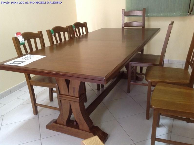 Tavolo allungabile in legno massello con 8 sedie for Tavoli in legno allungabili