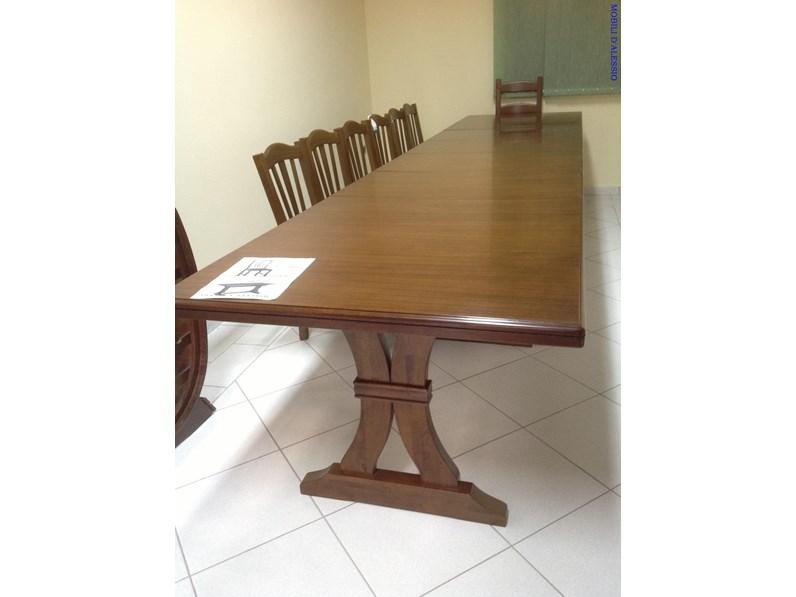 Tavolo allungabile in legno massello con 8 sedie for Tavolo allungabile con sedie a scomparsa
