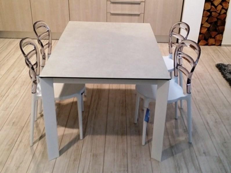 Friulsedie tavolo | Showroomdelserramento