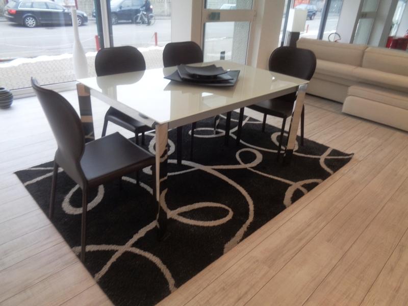 Friulsedie tavolo tavolo friulsedie completo di 4 sedie ecocuoio scontato del 54 tavoli a - Prezzi tavoli di lazzaro ...