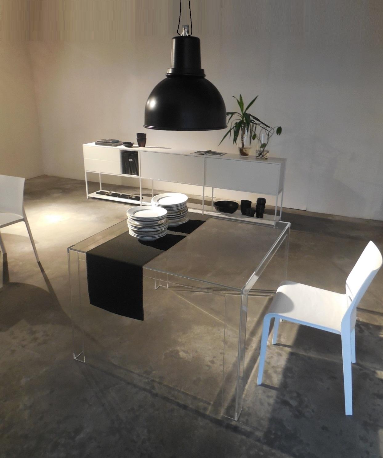 Kartell tavolo tavolo quadrato invisible kartell tavoli - Tavolo cucina quadrato ...