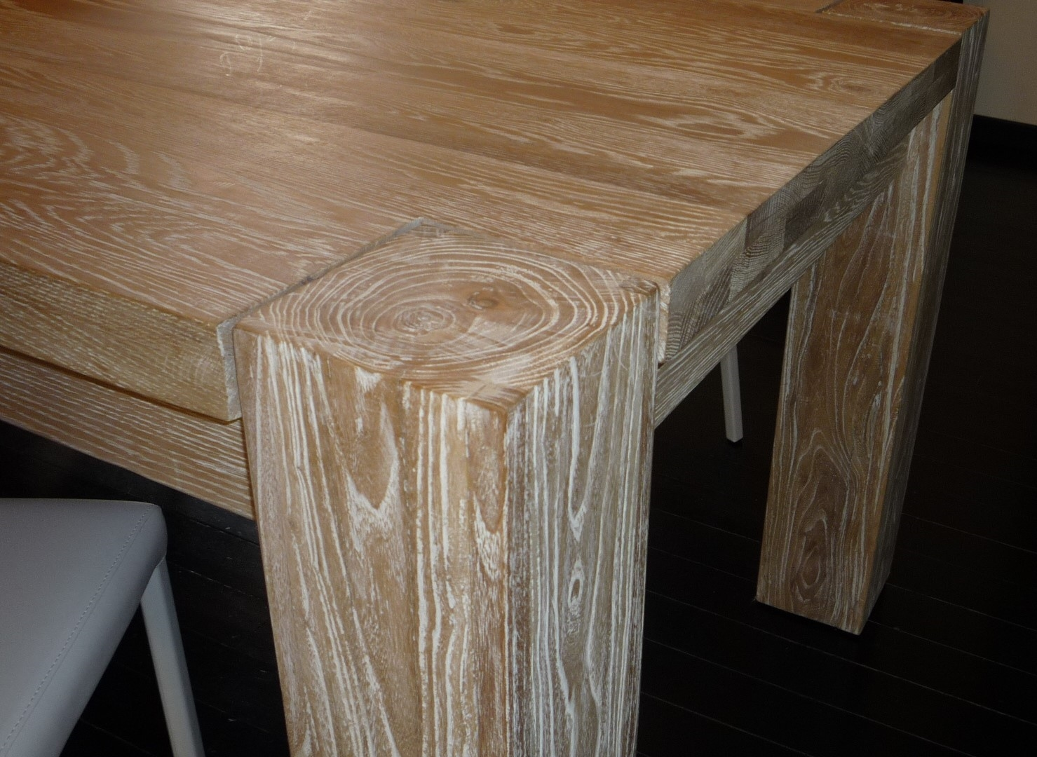 Tavolo da cucina di kico modello wood in rovere scontato for Tavolo rovere sbiancato