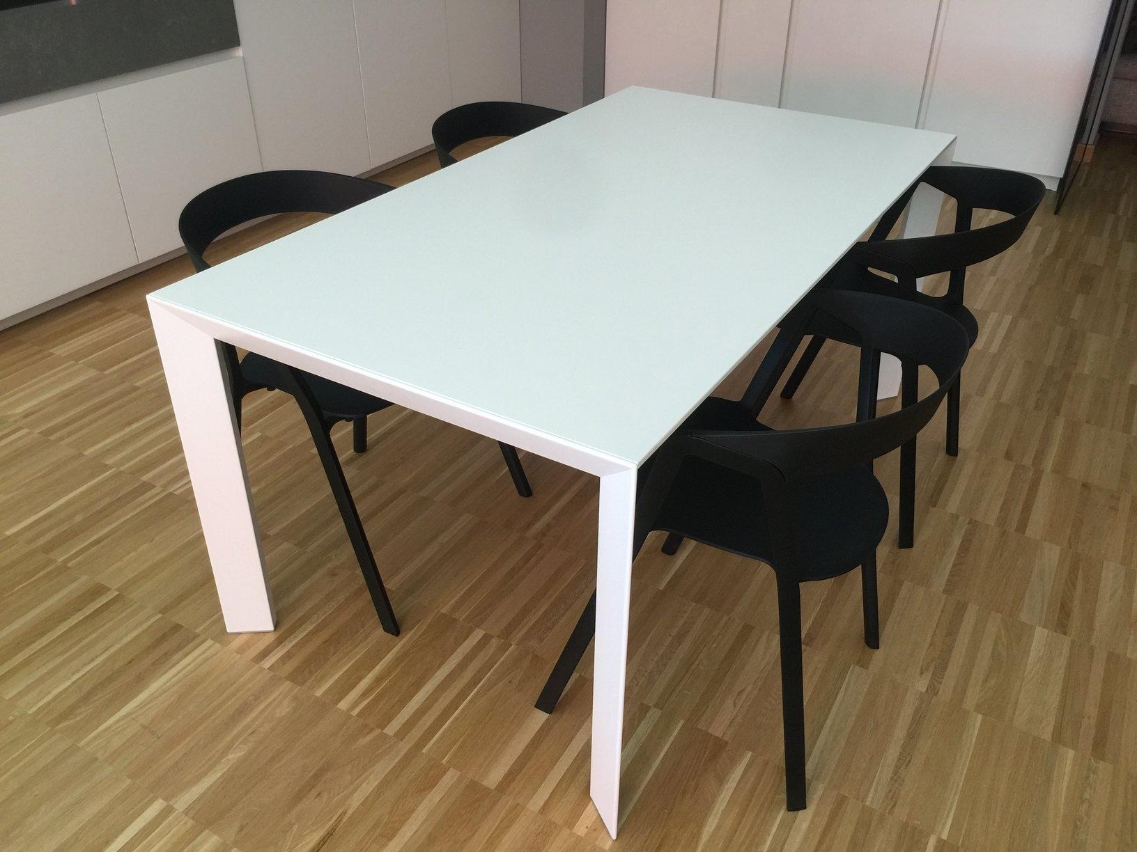 Kristalia tavolo allungabile nori scontato del 45 for Kristalia outlet