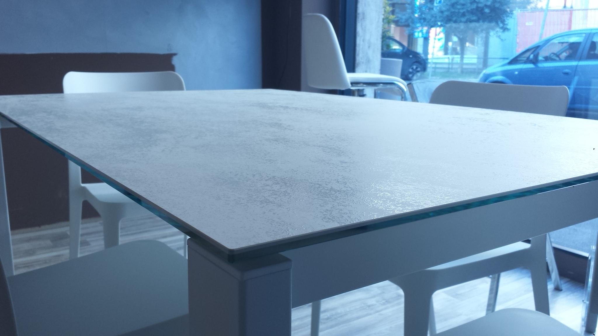 Tavolo allungabile vetro bond midj idee per il design for Tavoli design prezzi