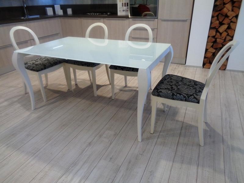 Tavolo Allungabile Gambe Sciabola Ghost Miniforms : Miniforms tavolo ghost laccato opaco sedie damascate