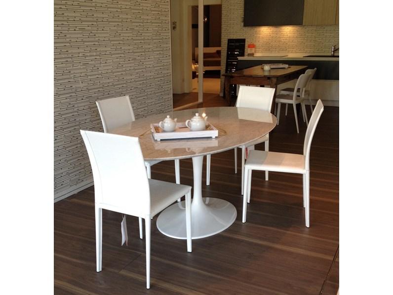Tavolo In Marmo Bianco.Occasione Tavolo Con Piano In Marmo Di Carrara Scontato Del 34