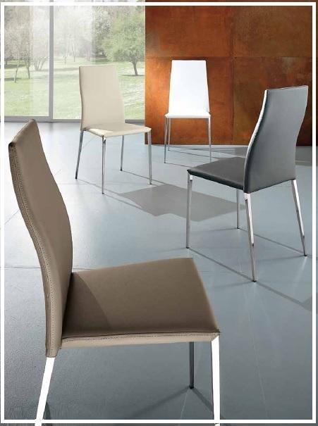 Offerta tavolo cristallo allungabile 4 sedie ecopelle for 4 sedie in offerta