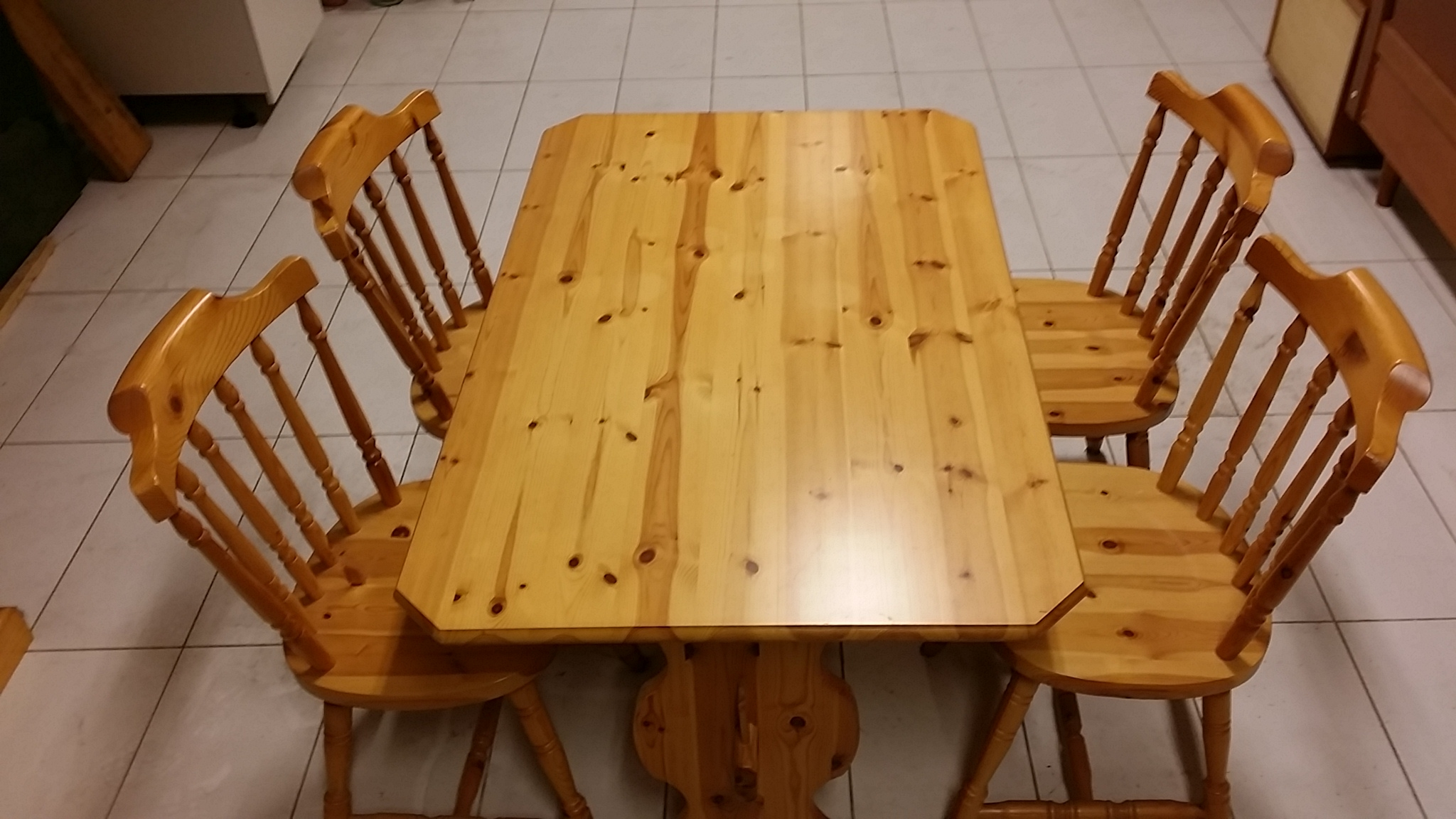 Offerta tavolo e sedie in pino massello tavoli a prezzi for Tavolo e sedie