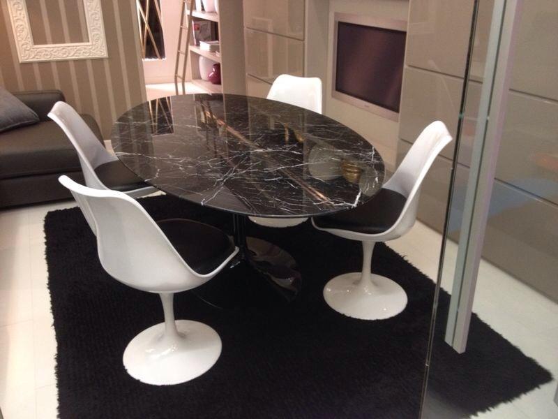Offerta tavolo ovale sedie tavoli a prezzi scontati for Sedie per tavolo tulip