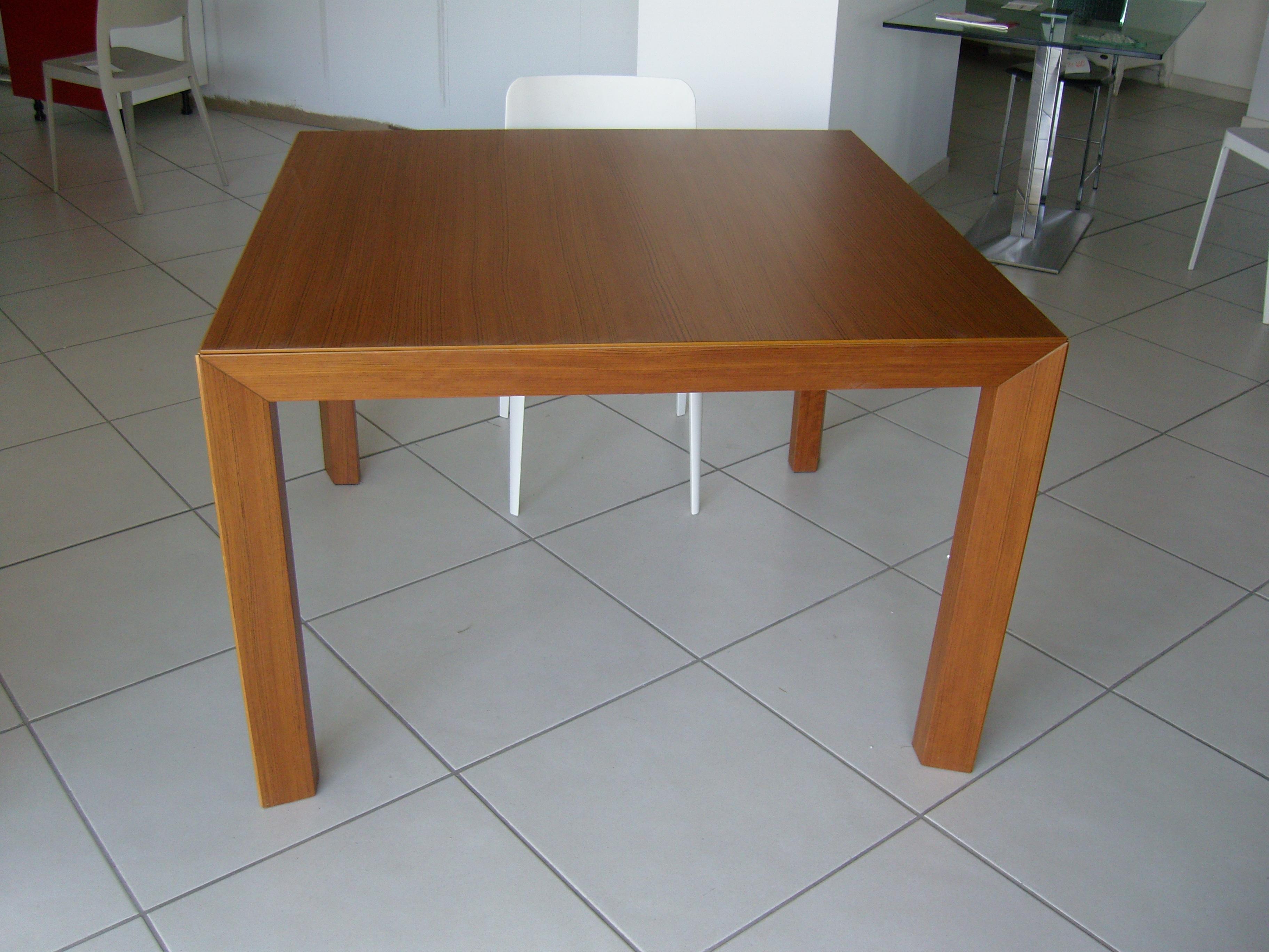 Offerta tavolo pianca 14617 tavoli a prezzi scontati for Tavolo quadrato calligaris