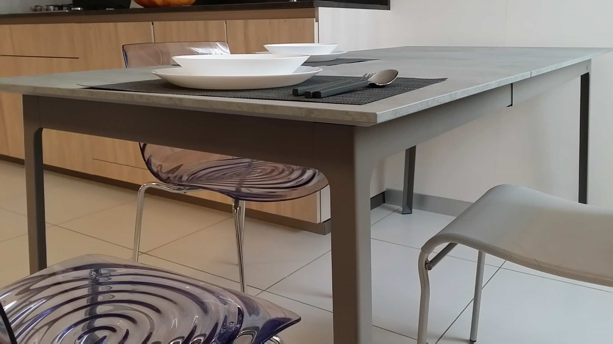 Outlet tavolo calligaris dot tavoli a prezzi scontati for Calligaris tavoli prezzi