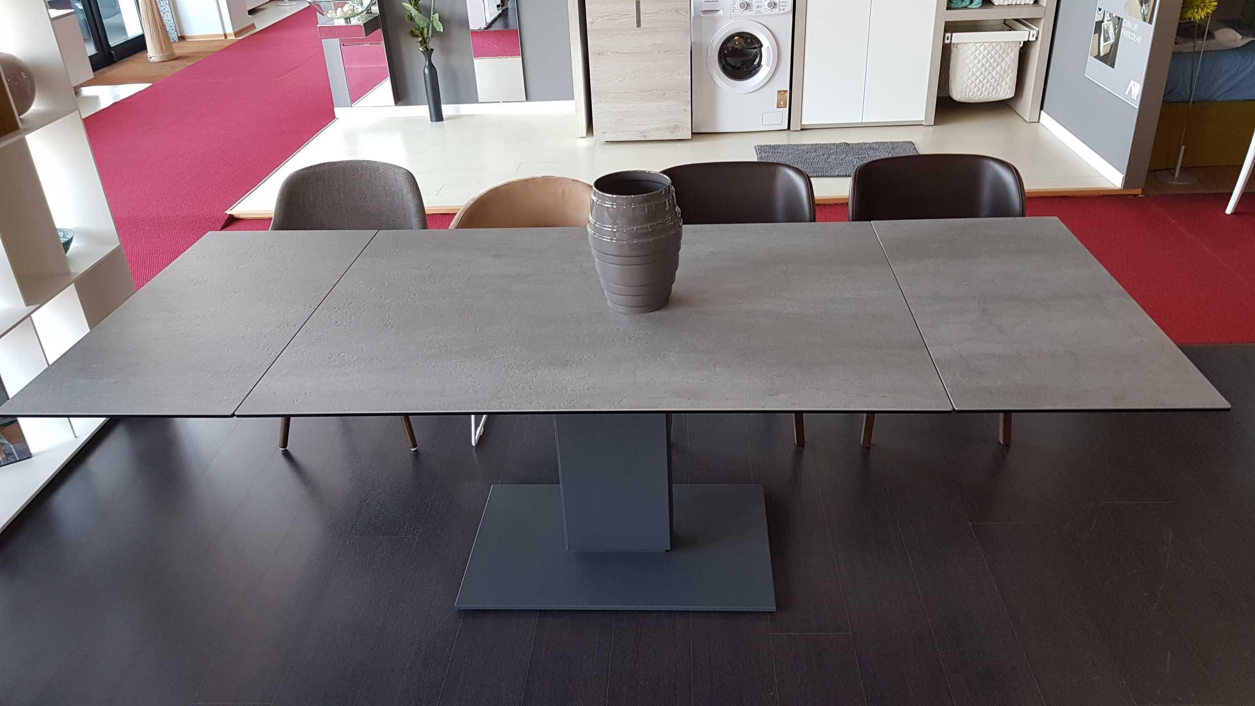 Outlet tavolo calligaris echo in ceramica cemento tavoli for Consolle calligaris offerta