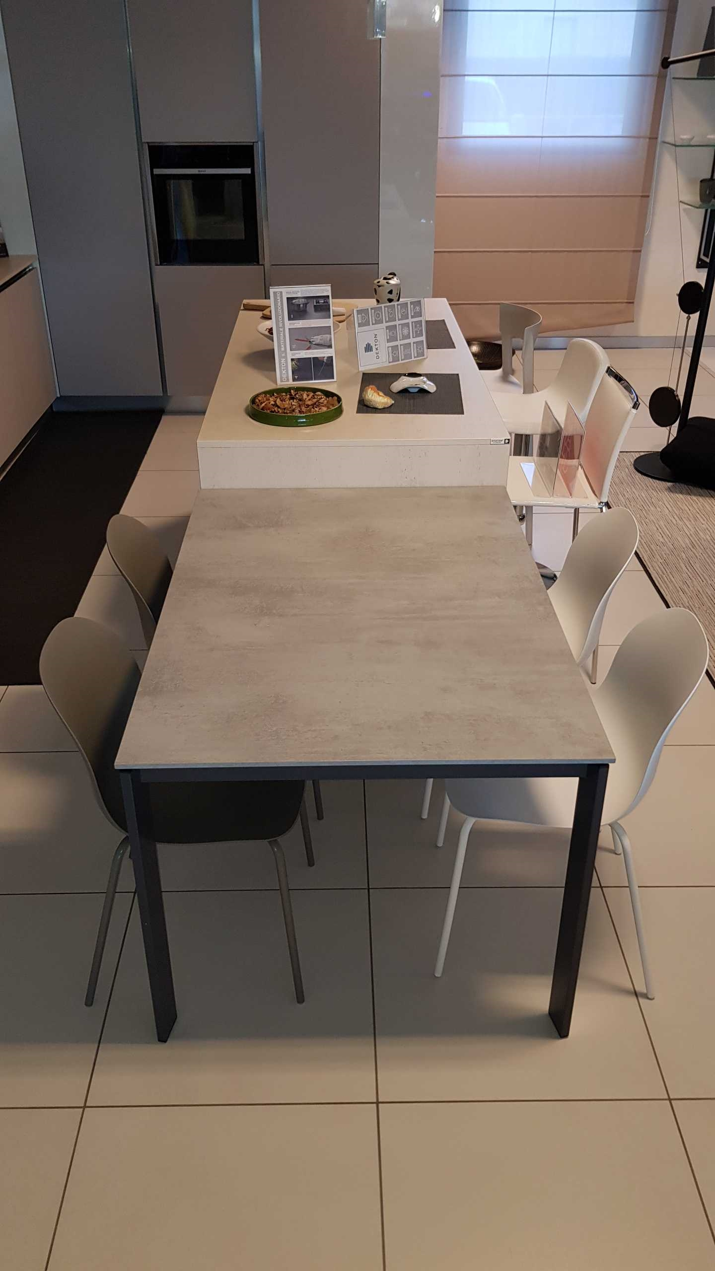Outlet tavolo calligaris eminence tavoli a prezzi scontati for Tavolo eminence