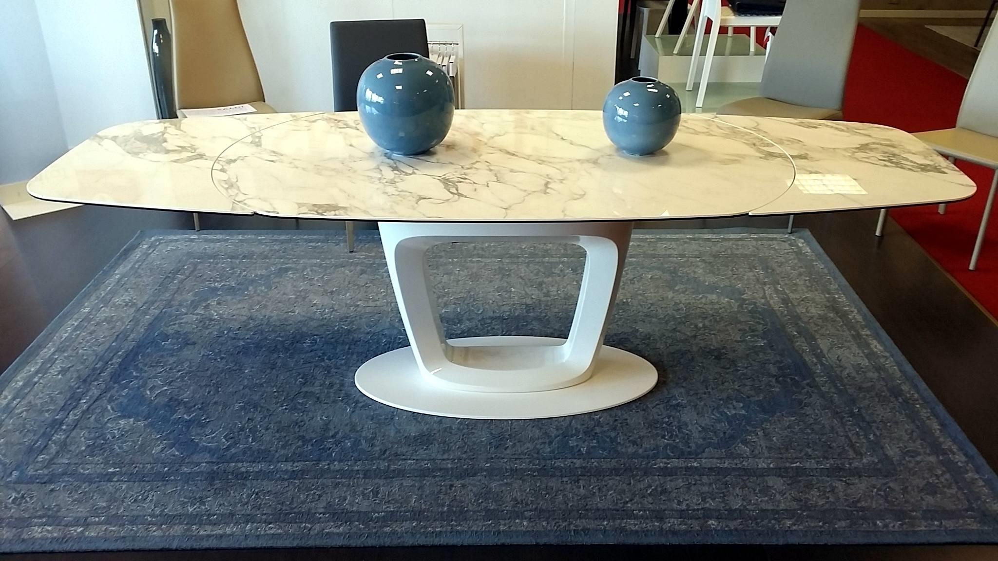 Tavolo marmo bianco ji79 regardsdefemmes for Tavoli allungabili calligaris prezzi