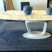 outlet tavolo orbital bianco e marmo