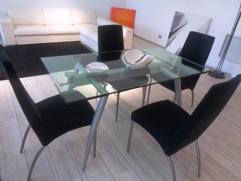 Ponti terenghi tavolo tavolo pegaso cristallo trasparente for Tavoli in cristallo e acciaio