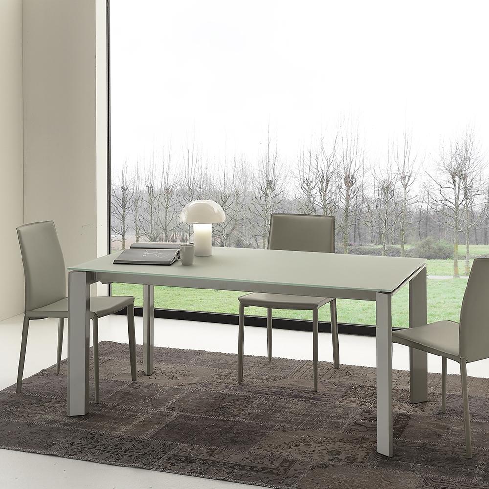Tavolo allungabile e sedie in ecopelle scontati tavoli a for Tavolo allungabile e sedie