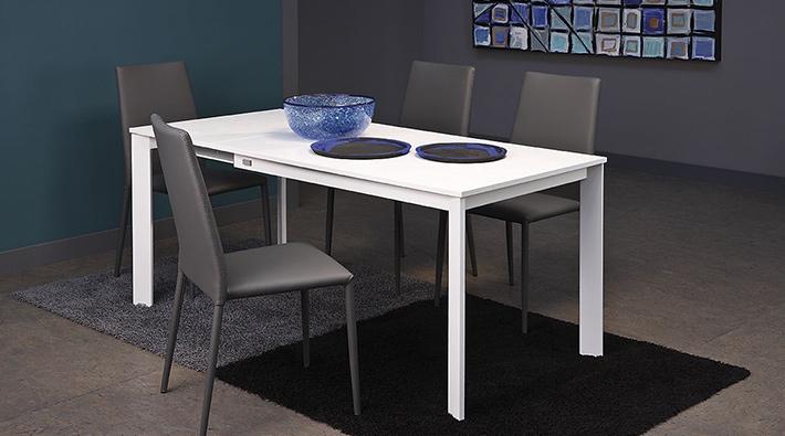 Tavolo nick scontato del 34 tavoli a prezzi scontati for Tavolo cristallo allungabile usato