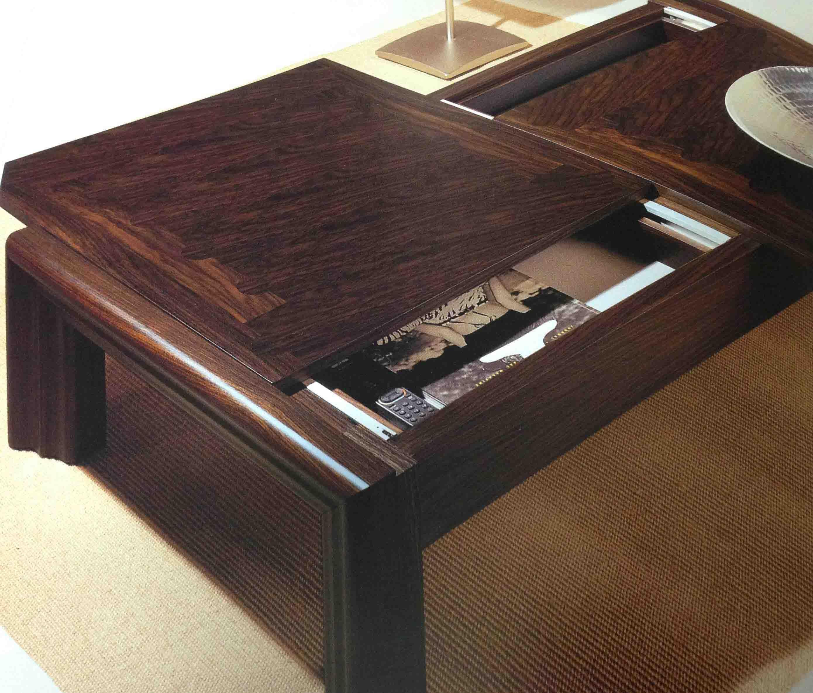 Tavolino basso da salotto in legno con vano attrezzato for Tavolino salotto legno