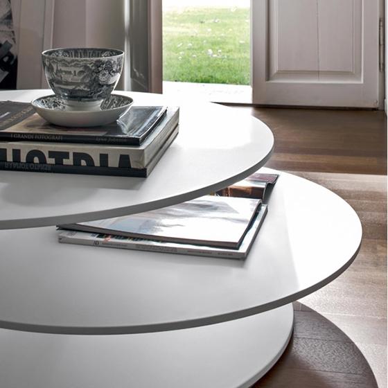 Tavolino da salotto con 3 piani sfalsati design by tonin for Piani di casa con design loft