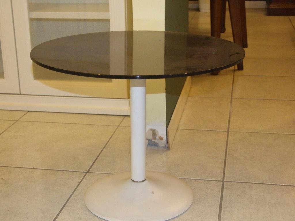 Tavolini Per Camere Da Letto. Tavolino Da Camera Con Foulard With ...