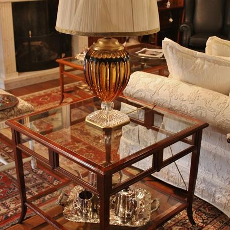 La griffe tavolino in ciliegio con due piani in vetro for Piani a due piani moderni