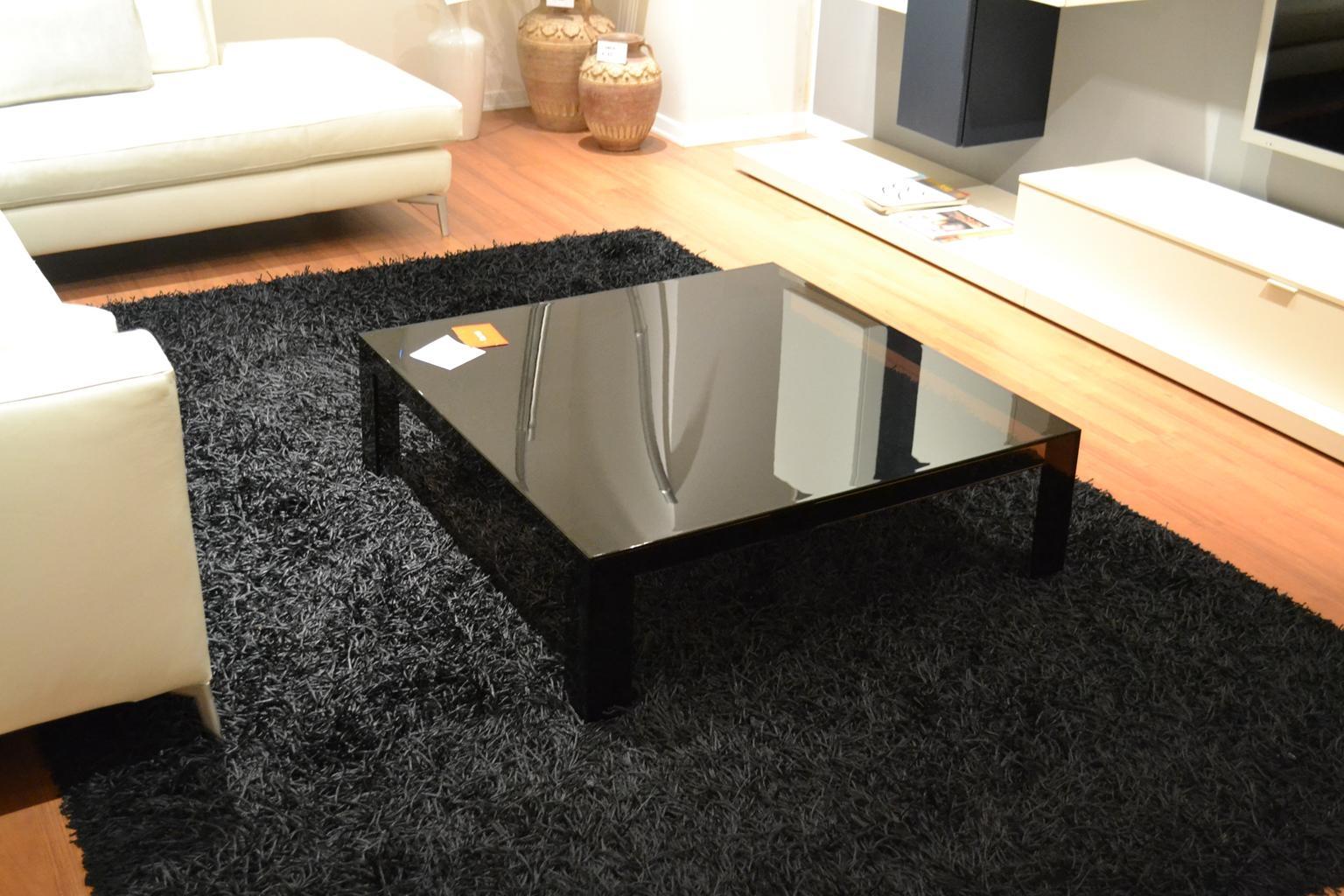 Tavolino kartell invisible table tavoli a prezzi scontati for Tavoli milano outlet