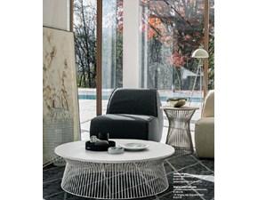 Tavolino Tomasella modello Brigitte. Tavolino da salotto rotondo con struttura in metallo. Piano in laccato opaco.