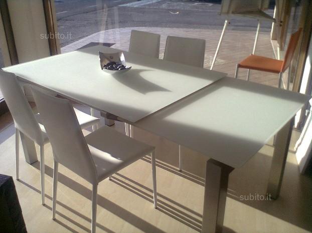 Tavolo airport calligaris offerta tavoli a prezzi scontati - Tavolo vetro allungabile calligaris ...
