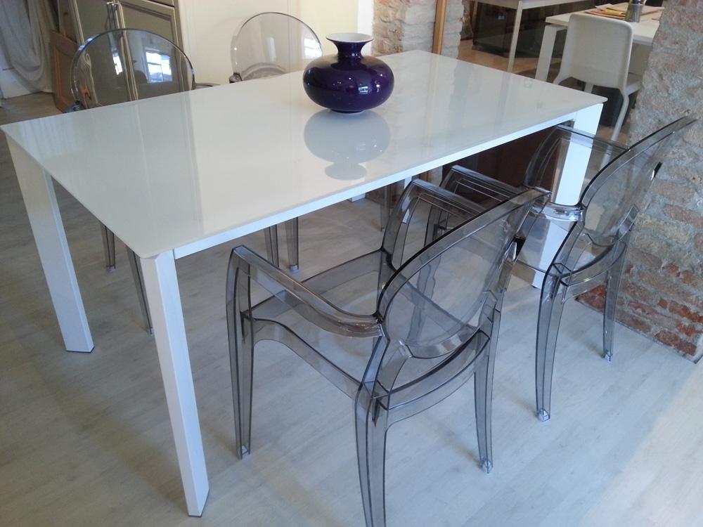 Tavolo design rettangolari allungabili vetro tavoli a for Tavoli di design outlet