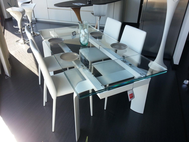 Tavolo tonin casa bridge rettangolari allungabili vetro for Tavolo pranzo trasparente