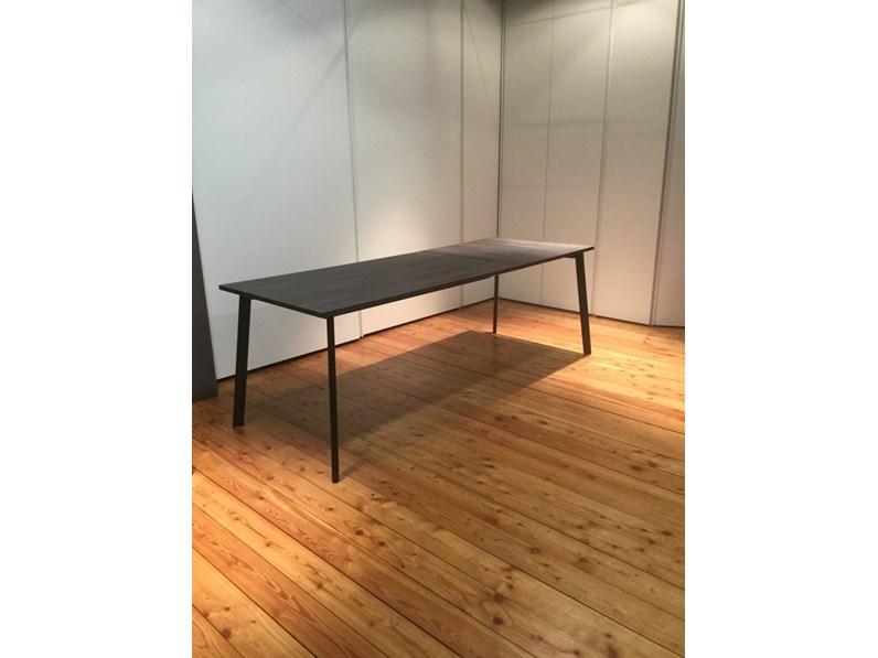 Tavolo allungabile calligaris con piano in laminato tinta for Calligaris tavoli allungabili legno