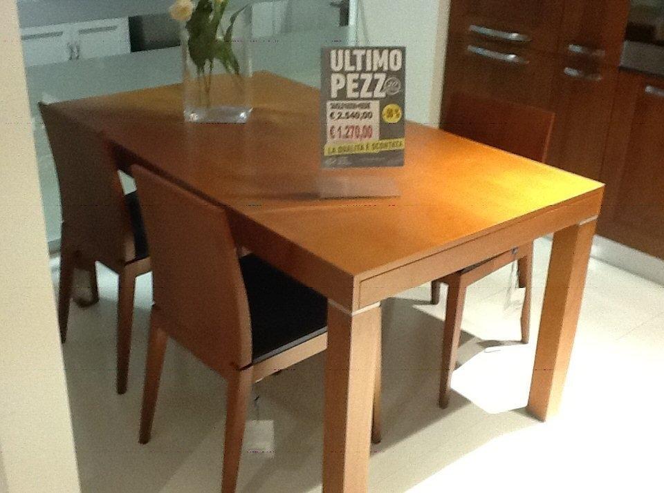 Tavolo allungabile con 4 sedie tavoli a prezzi scontati for Tavolo allungabile con sedie