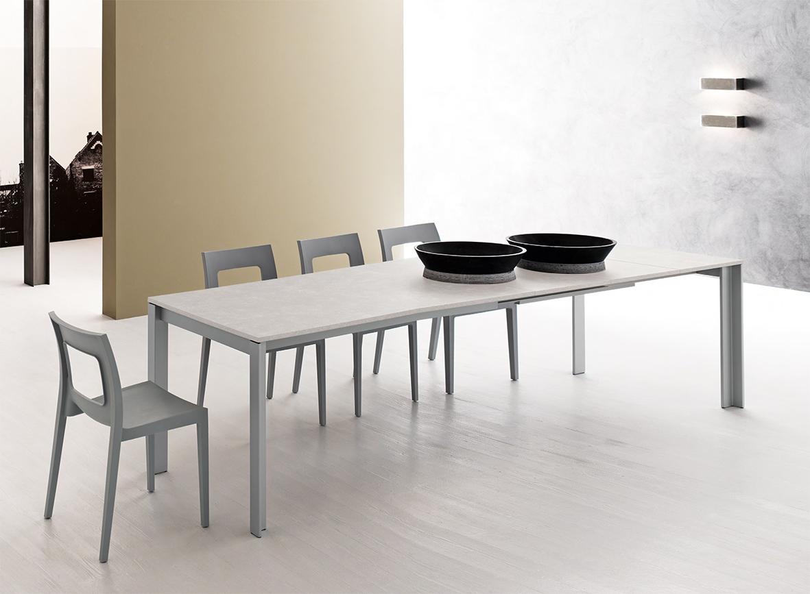 Tavolo allungabile con piano in finitura bianco opaco for Tavolo bianco allungabile
