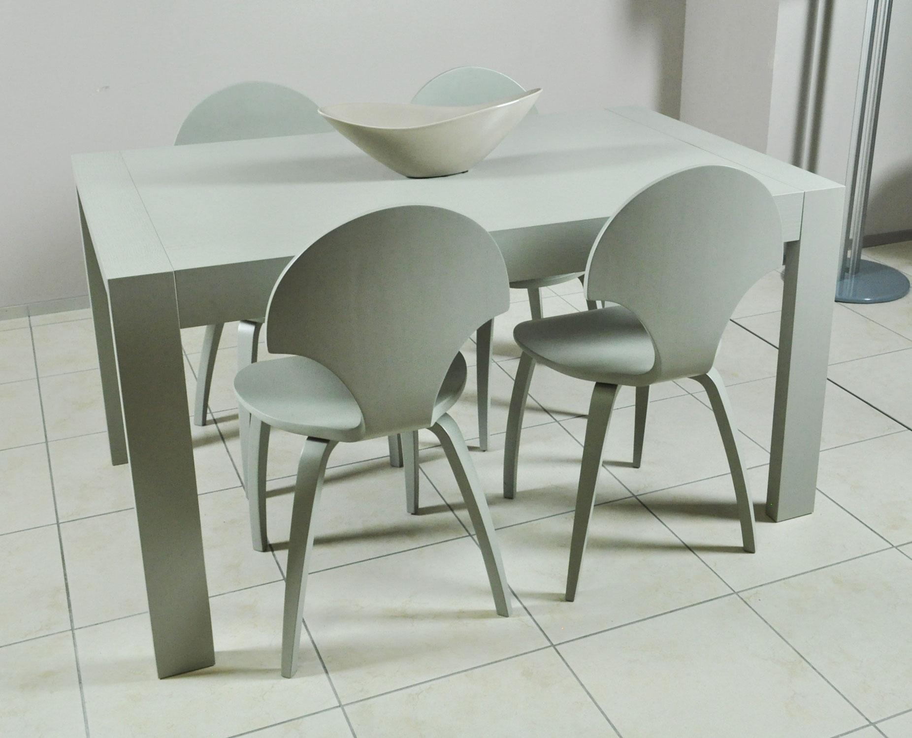 Tavolo allungabile e sedie zamagna color tortora in for Offerta sedie legno