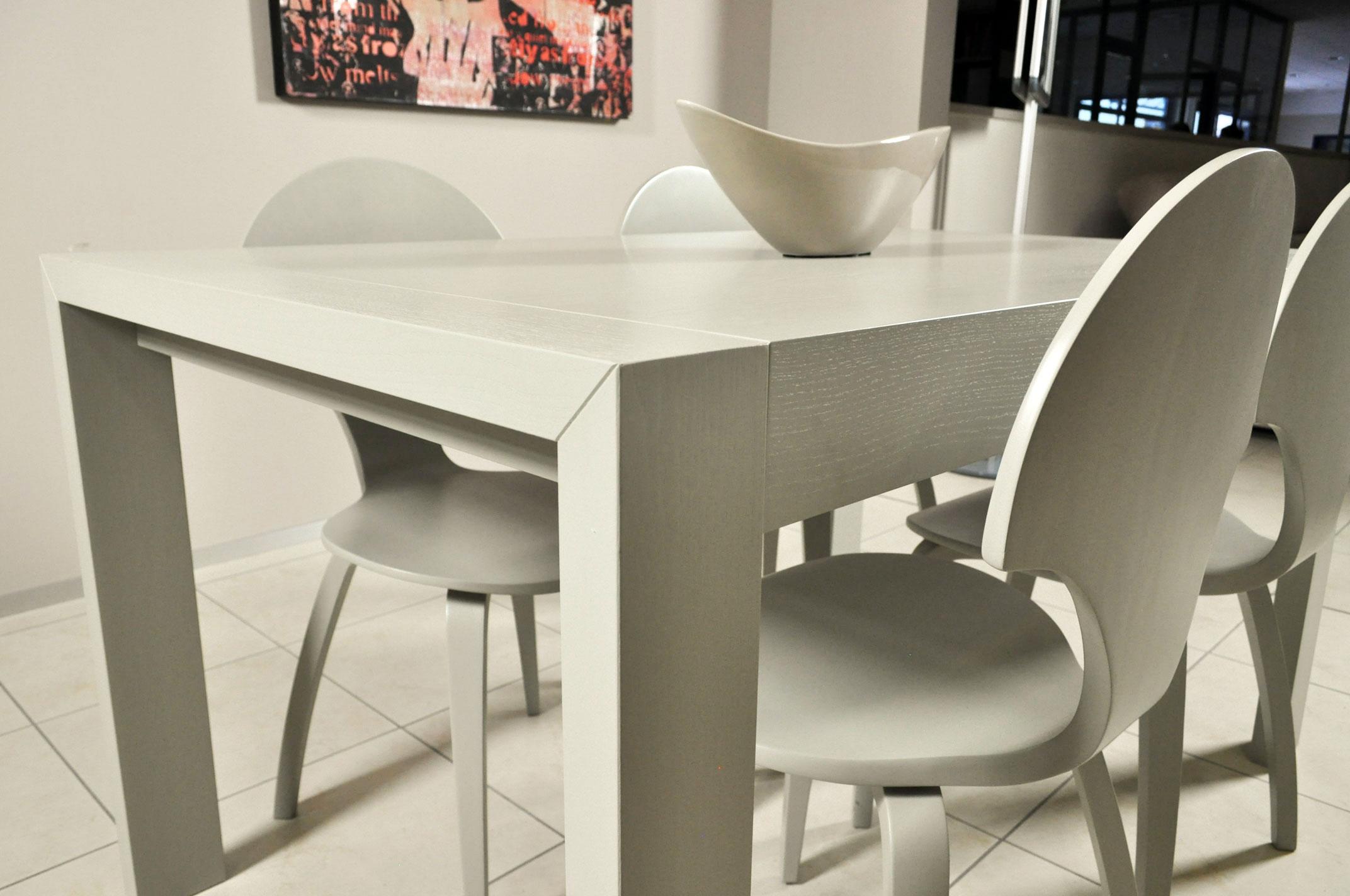 tavolo allungabile e sedie zamagna color tortora in